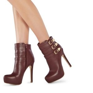 JustFab Kasabi burgundy booties size 11